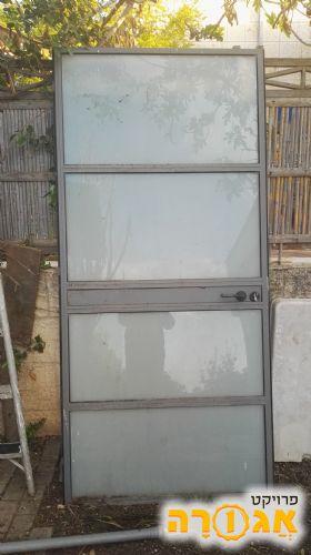 שונות דלת זכוכית אלומיניום יד שניה למסירה חינם בנהריה - מודעה 1805265 CR-12