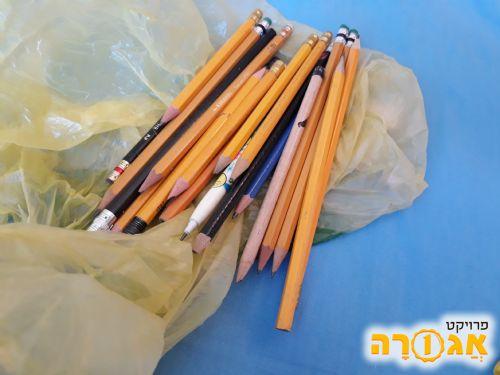 עפרונות כתיבה