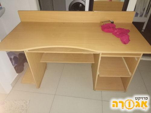 סיפריה/שולחן מחשב