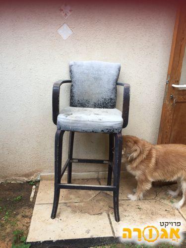 כסא גבוה לשיפוץ