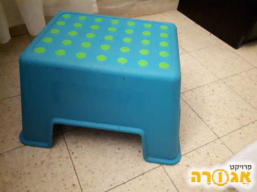 כסא קטן