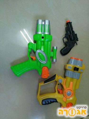 3 אקדחי משחק