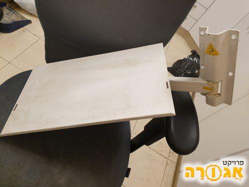 מתקן לתליית מדפסת או טלביזיה כבדה