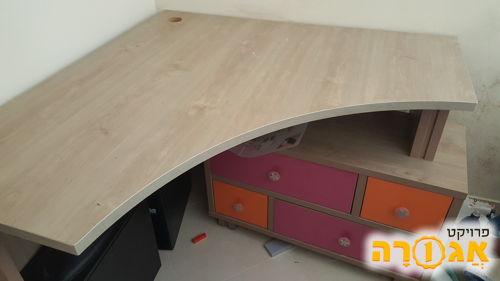שולחן מחשב לחדר ילדים