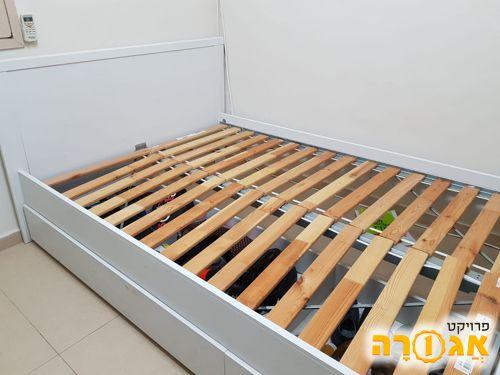 מסגרת מיטה