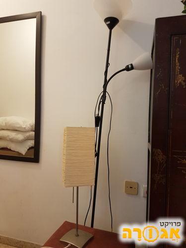 מנורת איקאה למדף