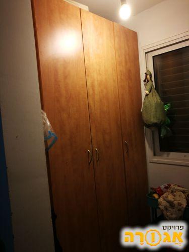 ארון 3 דלתות (שימוש כמזווה)