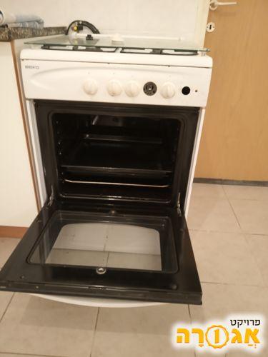 תנור עם כיריים גז
