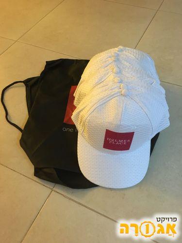12 כובעי מצחיה ו2 תיקי שרוך