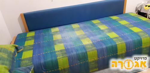 מיטת נוער נפתחת