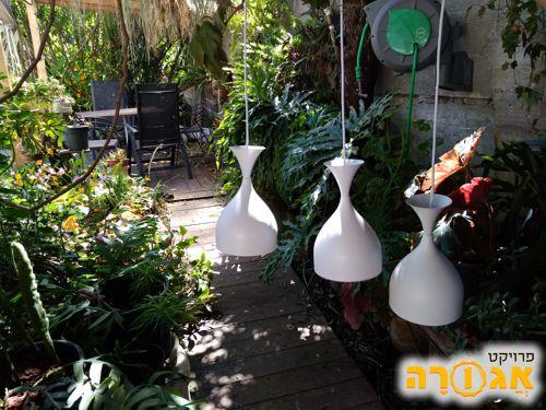 שלישיית מנורות לבנות