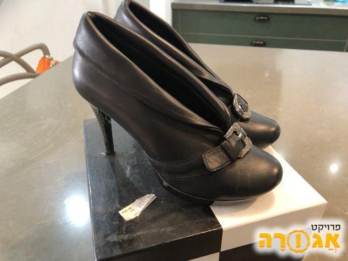 נעלי שחורות מידה 36