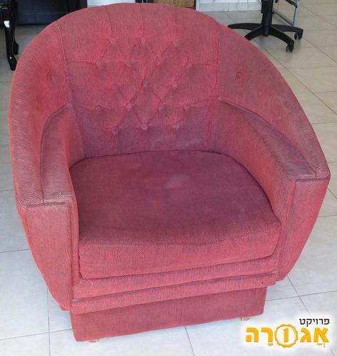 כורסא בסגנון עתיק