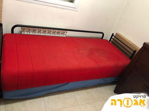 מיטה נפתחת