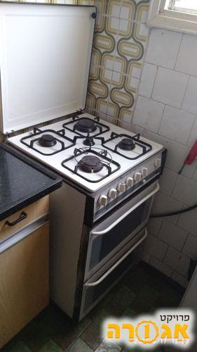 תנור אפיה משולב כיריים עובד מצויין