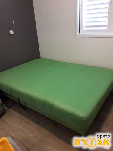 מיטה זוגית מתכווננת עם ארגז מצעים