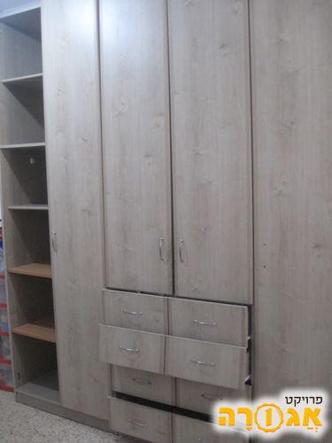 ארון 5 דלתות