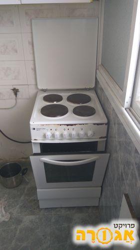 תנור עם כיריים חשמליים