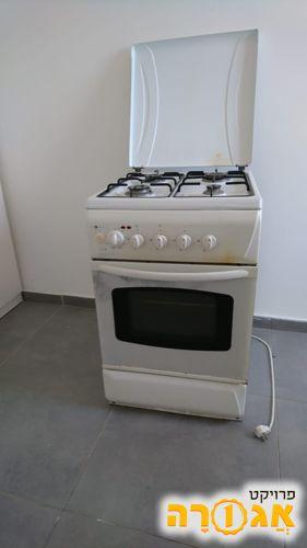 תנור עומד עם כיריים גז