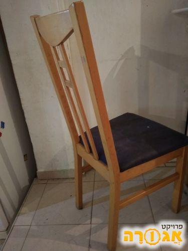 4 כסאות עץ לפינת אוכל