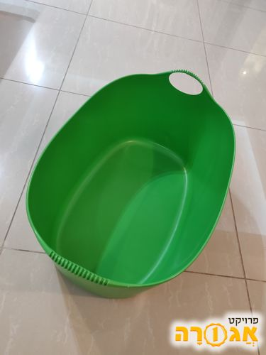 סל פלסטיק לכביסה