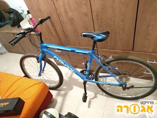 אופניים כחולות Typhoon
