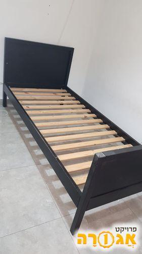 מיטת איקאה עץ מלא