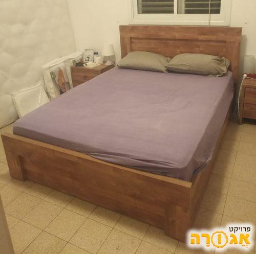 בסיס מיטה מעץ מלא למזרון 200X140 עם ארגז
