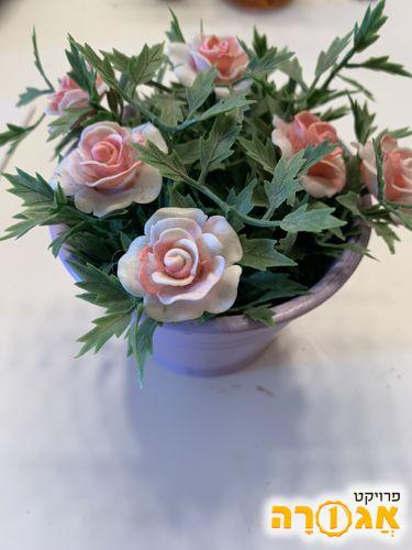זר פרחים לנוי