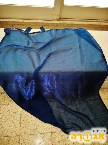 וילון כחול מבריק