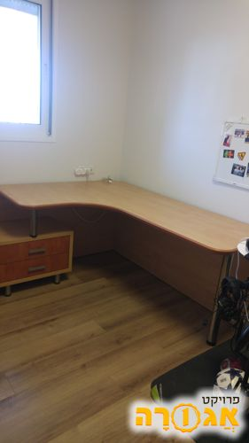 שולחן מחשב לחדר ילדים כולל שידת מגירות