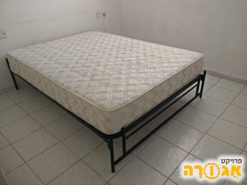 מיטה זוגית כולל מזרן