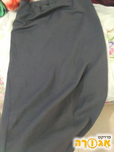 חצאית אפורה למסירה מנתיבות