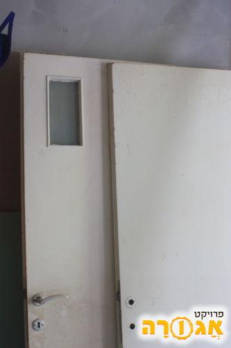 3 דלתות פנים