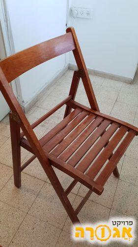 כיסא עץ מתקפל