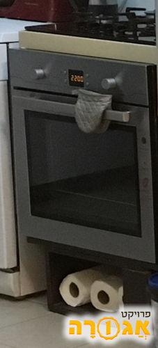 מעמד מעץ לתנור בילד אין