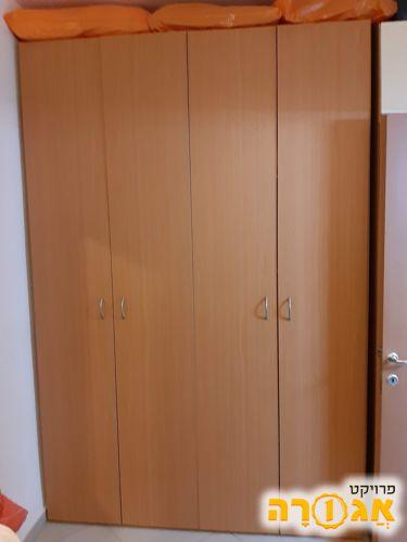 ארון 4 דלתות