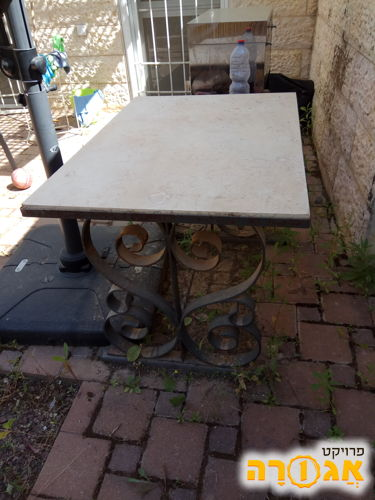 שולחן שיש