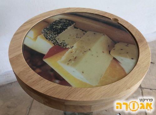 קרש לחיתוך והגשת גבינות