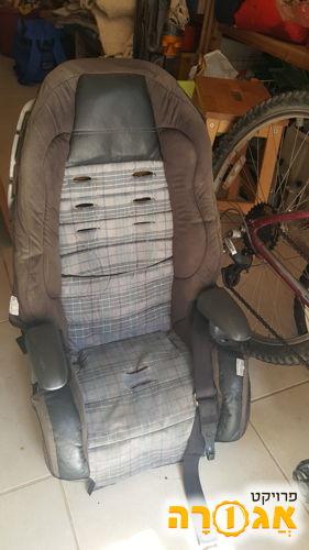 כסא בטיחות לרכב